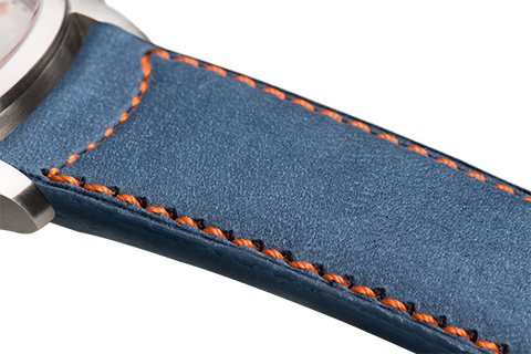 Classic: blue nubuck - orange stitching -  Wriststrap - Raidillon