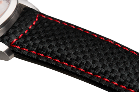 Classic: black fibra di carbonio leather - red stitching