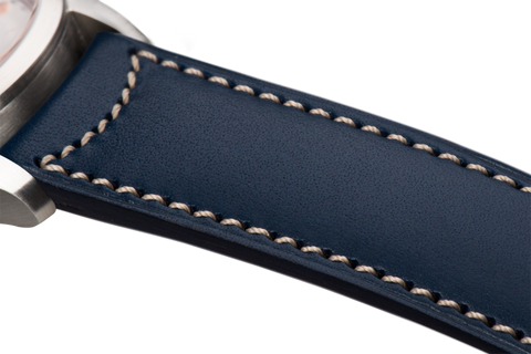Classic: navy blue eco calfskin - natural stitching -  Wriststrap - Raidillon