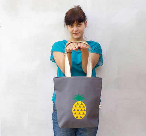 Pineapple tropical tote bag by WinkShirtShop
