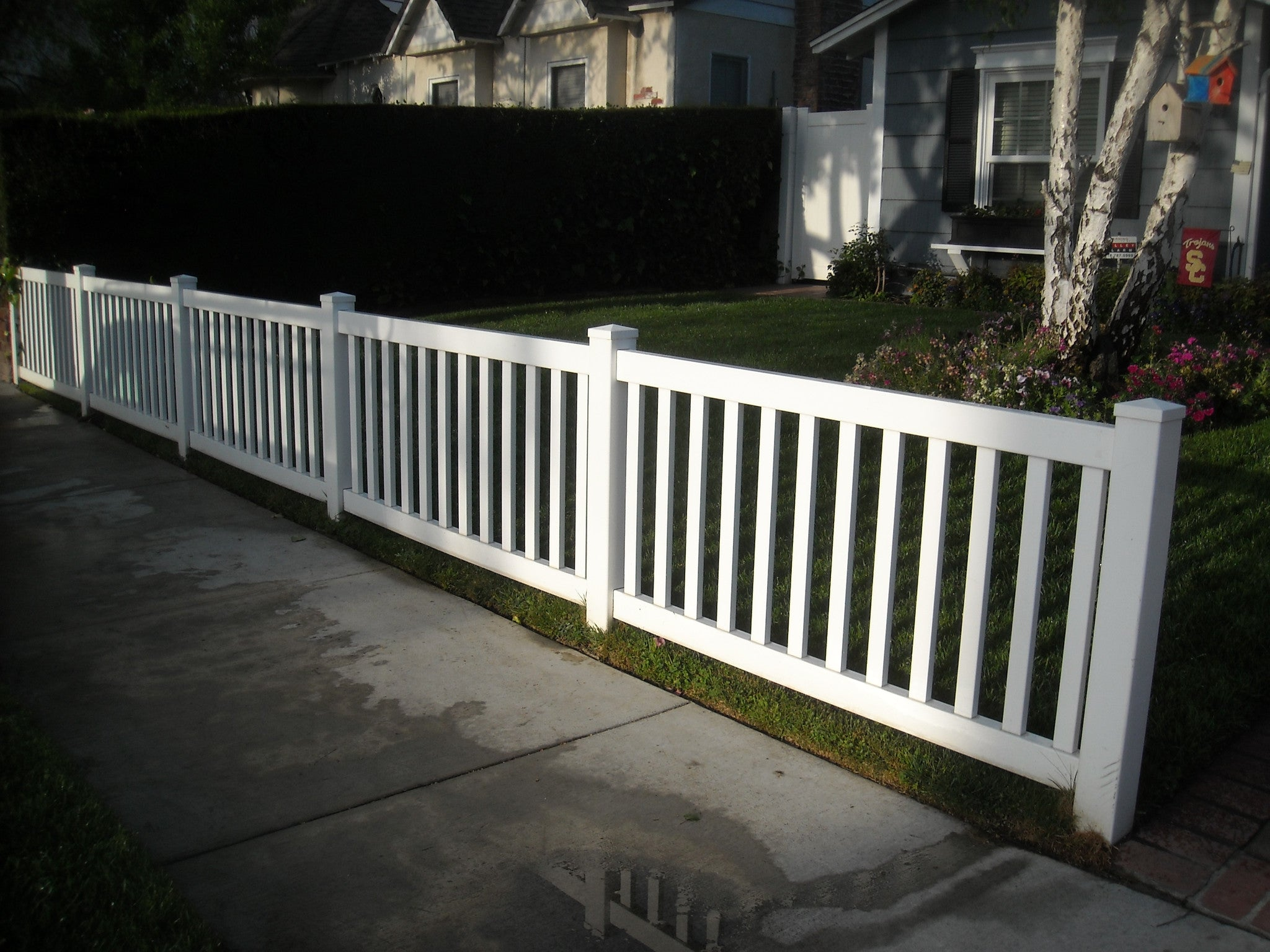 Vinyl Craft White Closed Picket Fencing