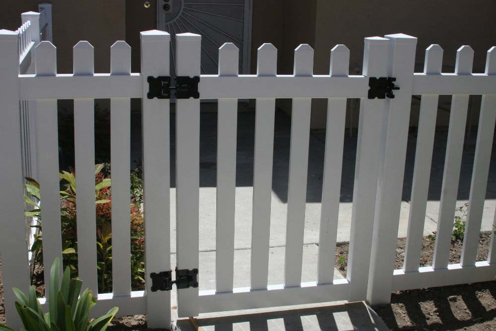 picket fence gate. vinyl craft white routed picket gate fence q