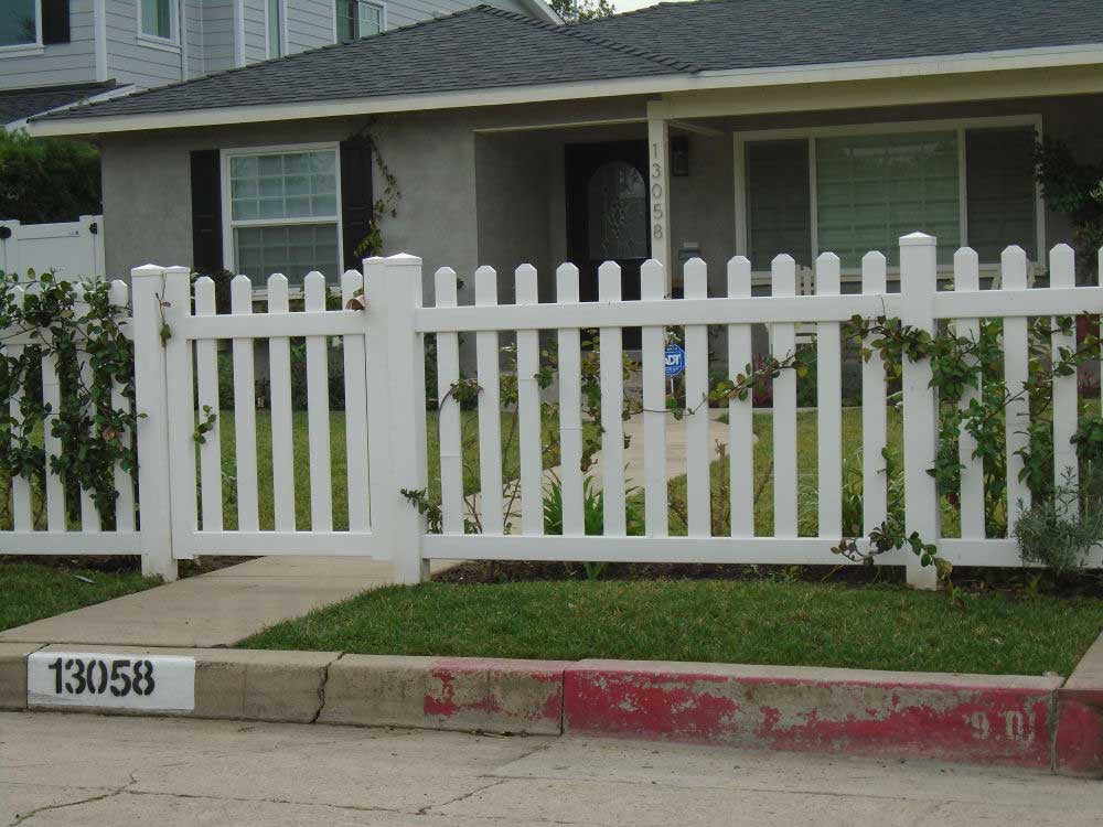 How To Craft A Fence Part - 26: Vinyl Craft White Straight Picket Fencing With Square External Pyramid Post  Caps And White Routed Picket ...
