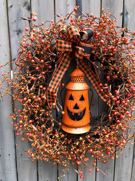 Jack Lantern Pipberry Wreath