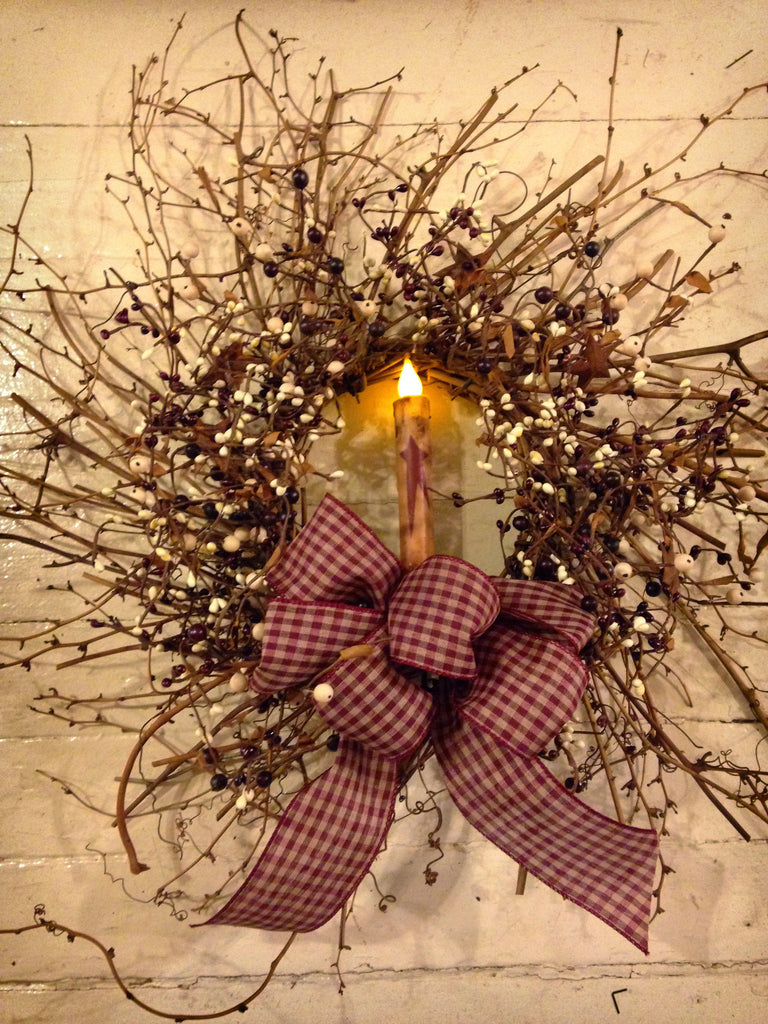 Pipberry Wreath with Timered Star Candle, 24""