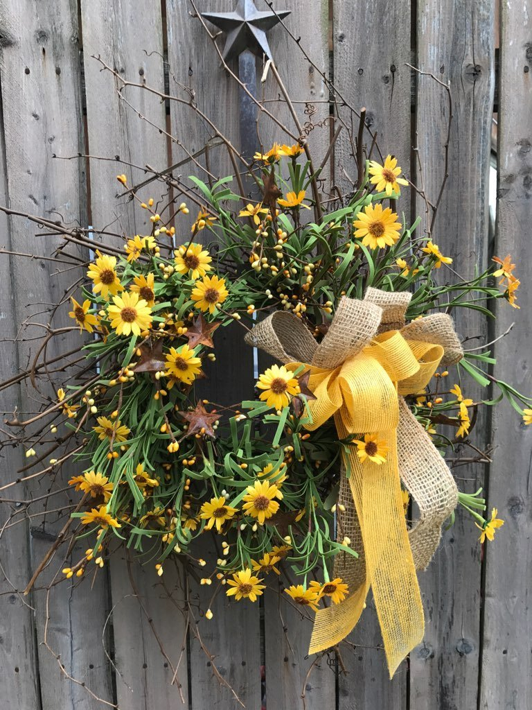 "24"" Mountain Daisy Wreath"