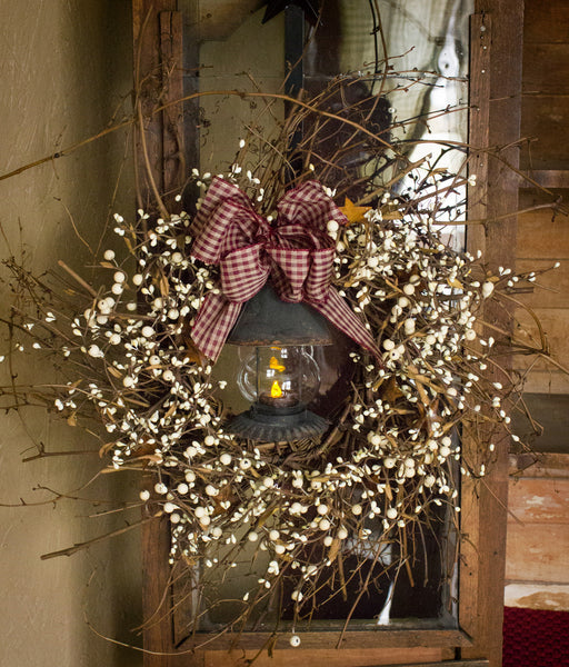 Pip Berry Barn Lantern Wreath