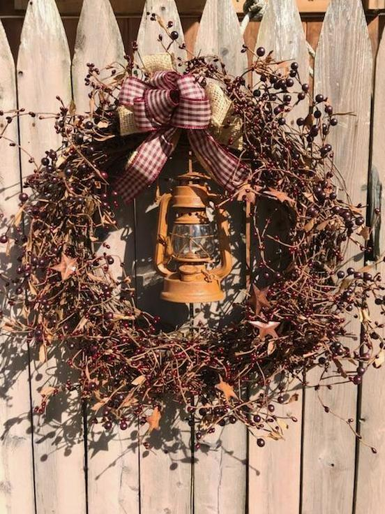 Primitive Lantern Wreath, 23""