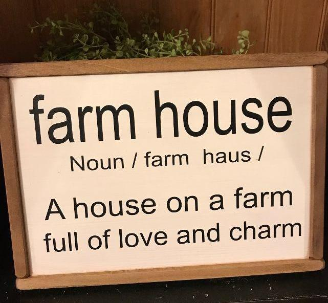 Farmhouse Definition Picture
