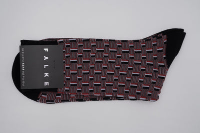 Bild von Socken 'Seasonal Red, White and Black Pattern' von 'Falke' aus 75% Baumwolle, 25% Polyamid