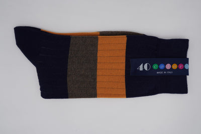 Bild von Socken 'Two Stripes on Dark Blue' von '40 Colori' aus 80% Baumwolle, 12% Nylon, 8% Elastan