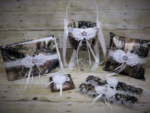 True Timber Brown Camo Wedding Set with White Shabby Chic Flowers