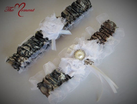Camo Garter Set, Brown Camo with White shabby chic Flowers
