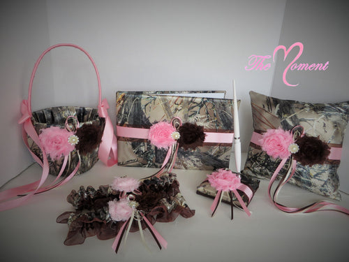 True Timber Brown Camo Wedding Set with Pink and Brown Shabby Chic Flowers