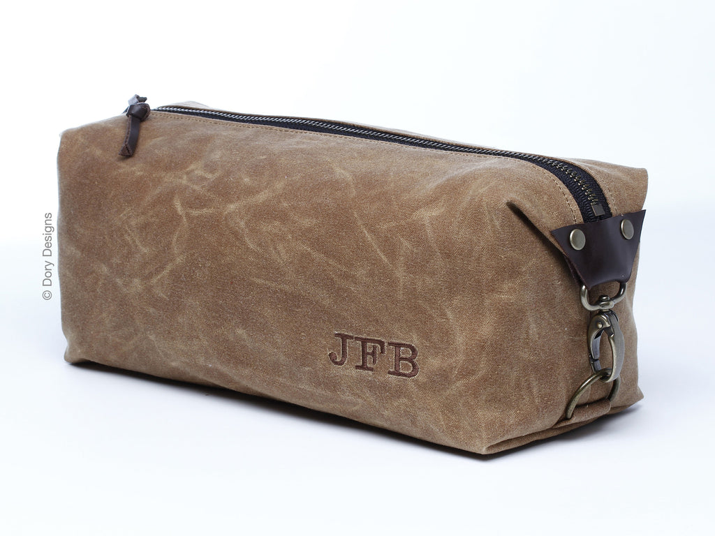 Dory Designs specializes in top quality, sleek waxed canvas dopp kits and travel bags. Our bags are multi-functional and are ideal for carrying shaving accessories, brushes and other utensils. They can be personalized with monogramming and make a great gift for special occasions. We are proud that all our bags are handmade in the USA.