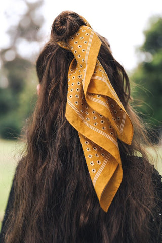 Daisy Neckerchief Hair Tie