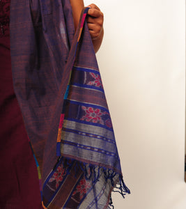 half and half, mauve and blue handwoven ikat scarf/stole/dupatta. sambalpuri odisha textiles, eco-friendly, sustainable, weavers, cotton