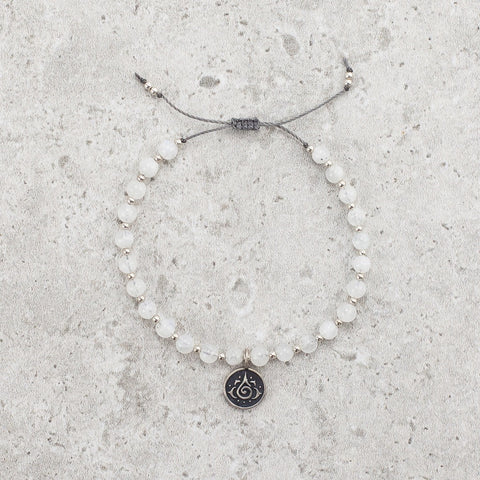 Moonstone Bracelet - Intuition & Magic