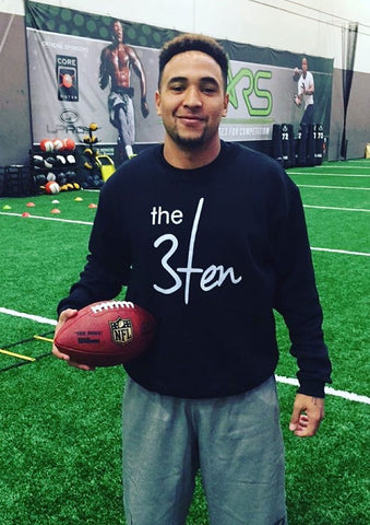 Oregon QB, Vernon Adams Jr. wearing The 3Ten Crewneck