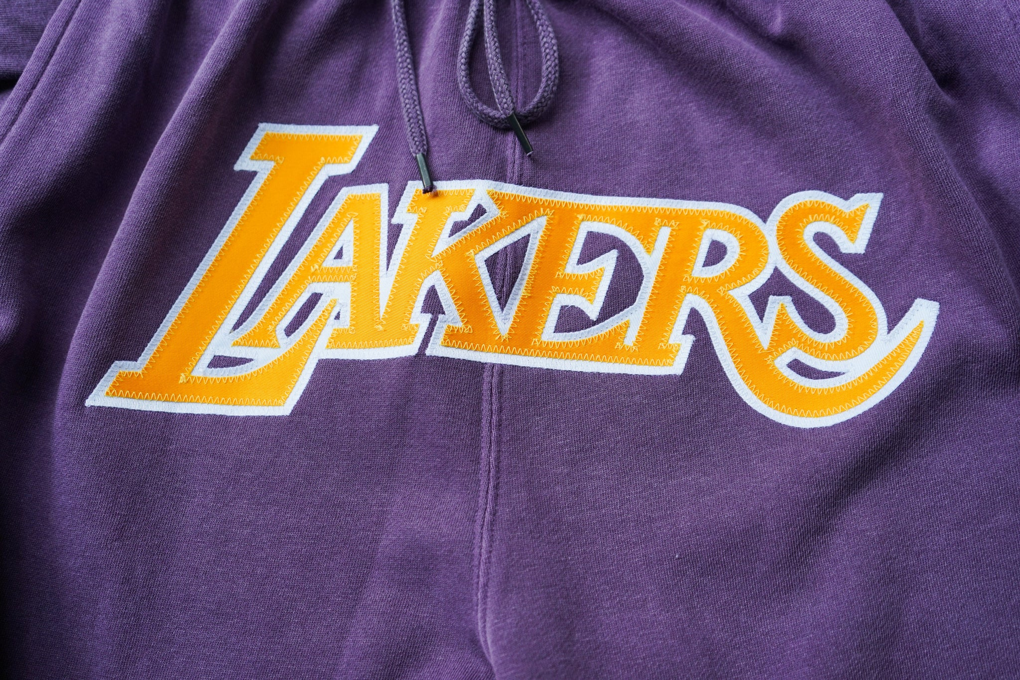 "Mitchell & Ness Los Angeles Lakers 1984-1985 ""LAKERS"" Washed Out Swingman Shorts"