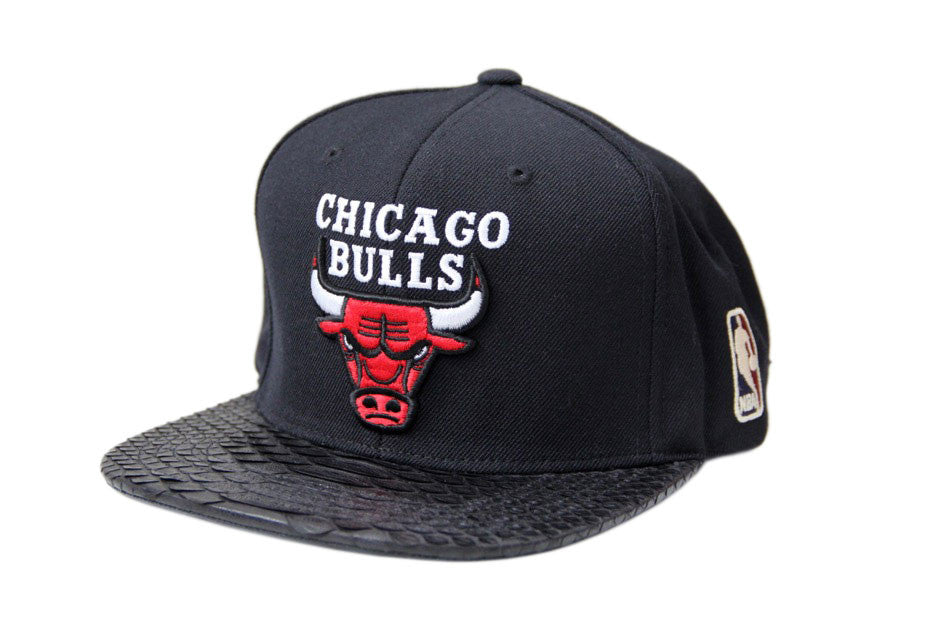 HATSURGEON x Mitchell & Ness Chicago Bulls Basic Logo Black Strapback