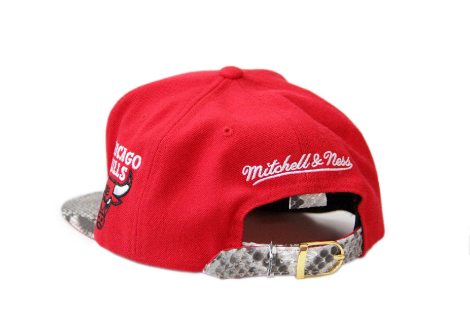 HATSURGEON x Mitchell & Ness Chicago Bulls Special Script Natural Strapback