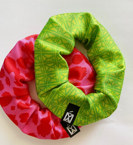 Scrunchies 2 Pack Logo Green & Animal Fuchsia