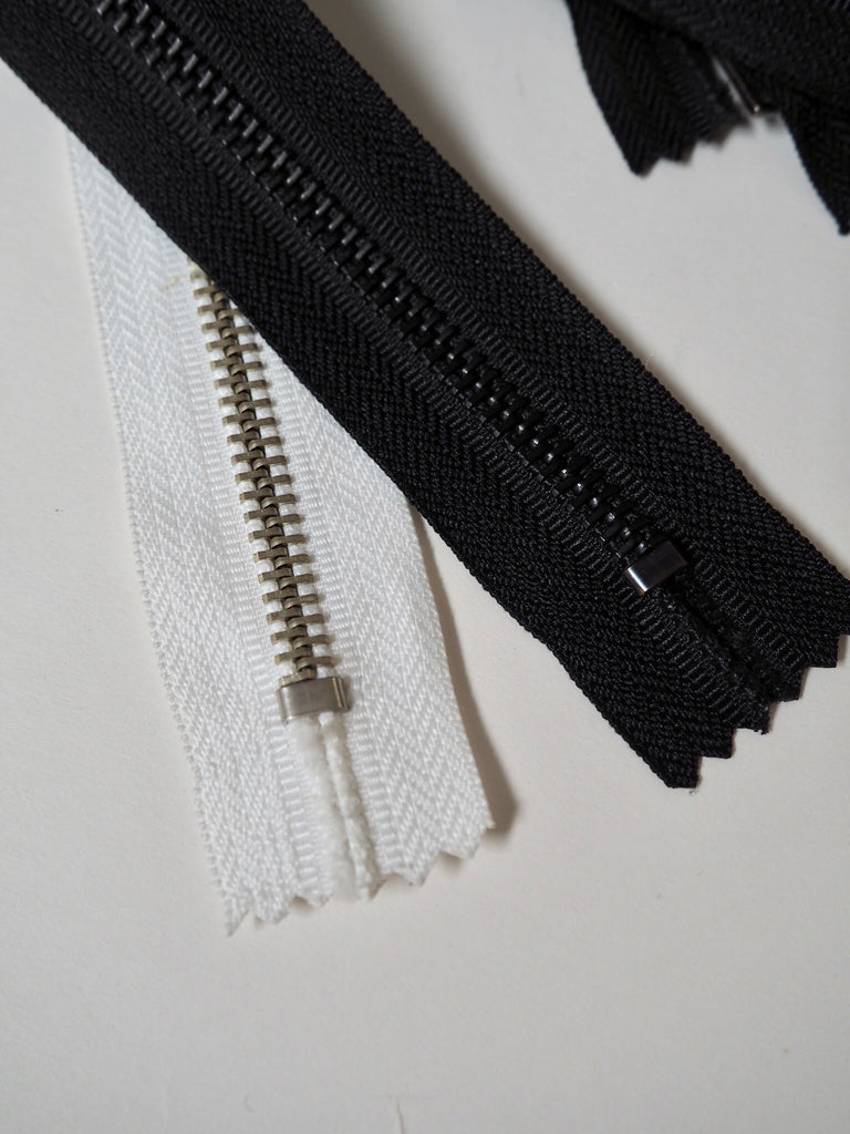64cm/25inch Metal Teeth Closed End Zips