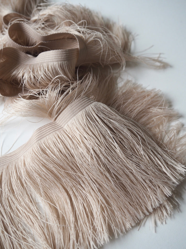 Oatmeal Feather Fringe Trim 10cm