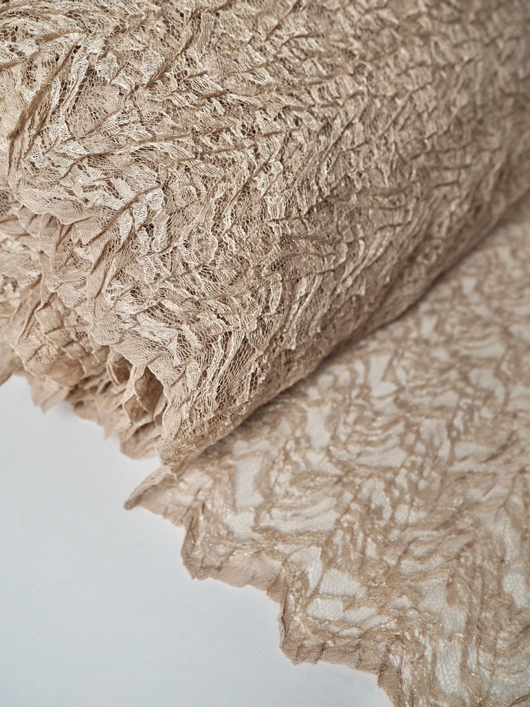 Aura Coffee Scalloped Crinkle Lace