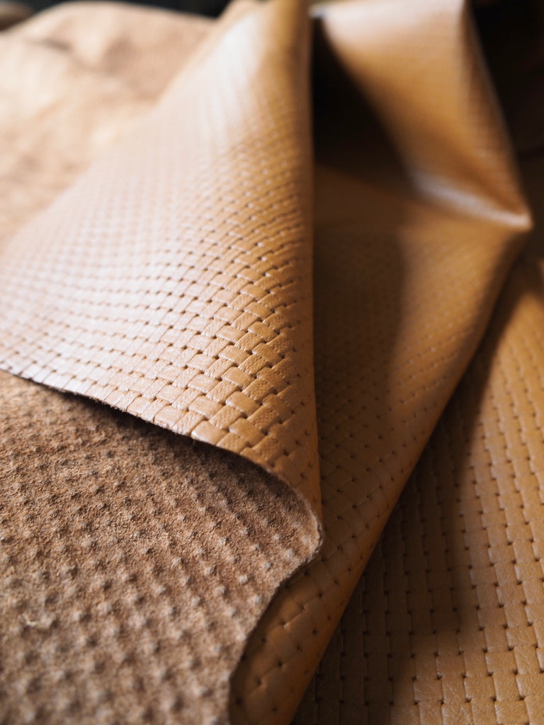 Embossed Tan Basketweave Cow Hide Leather, 90 x 60cm (105)