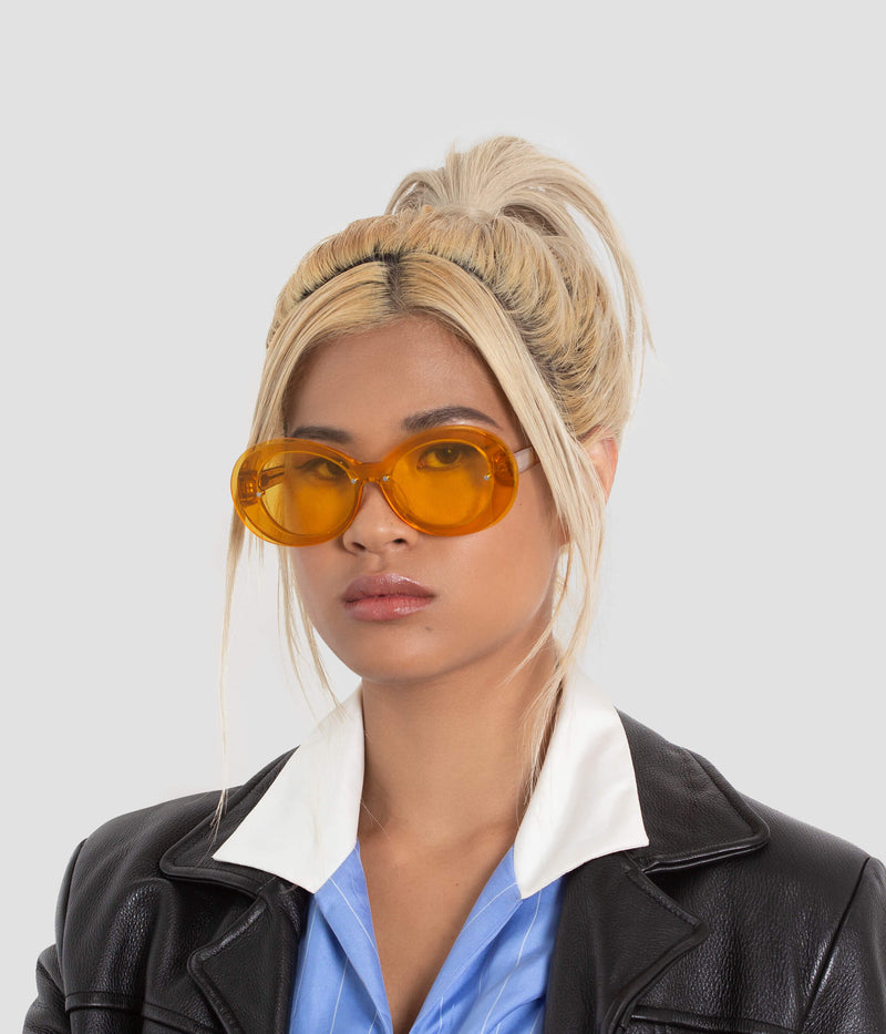 Female Model wearing Ai-Ren Dafodillionaire Sunglasses