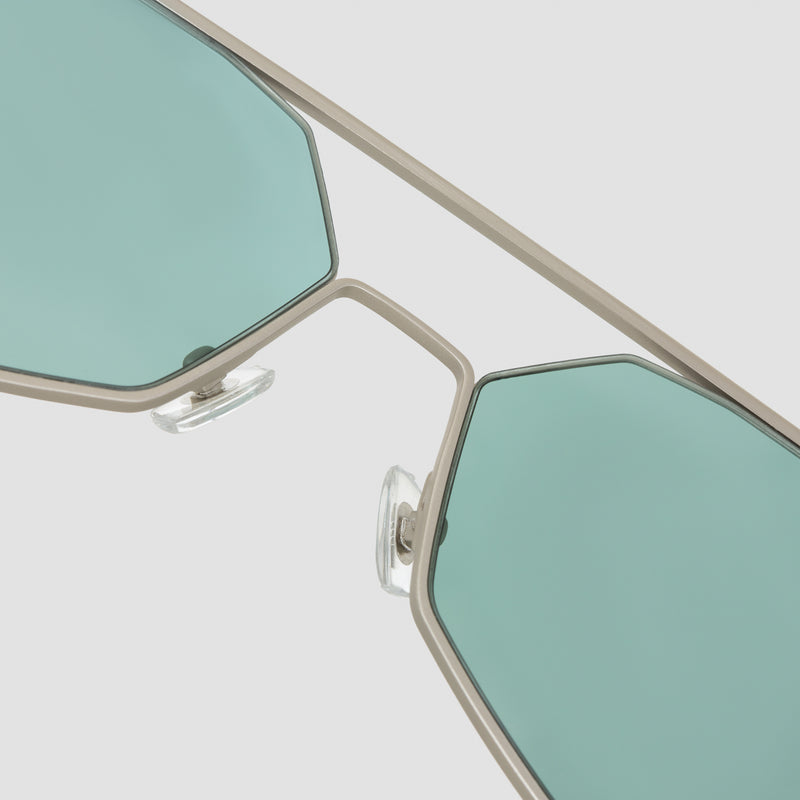 Detail shot of Figueroa II Hummingbird Sunglasses