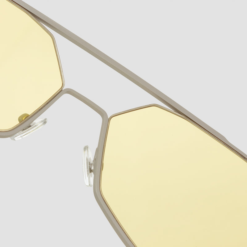 Detail shot of Figueroa II Nightingale Sunglasses