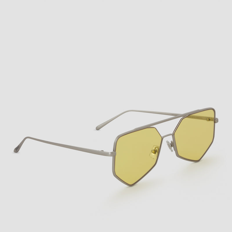 Quarter View of Figueroa II Nightingale Sunglasses