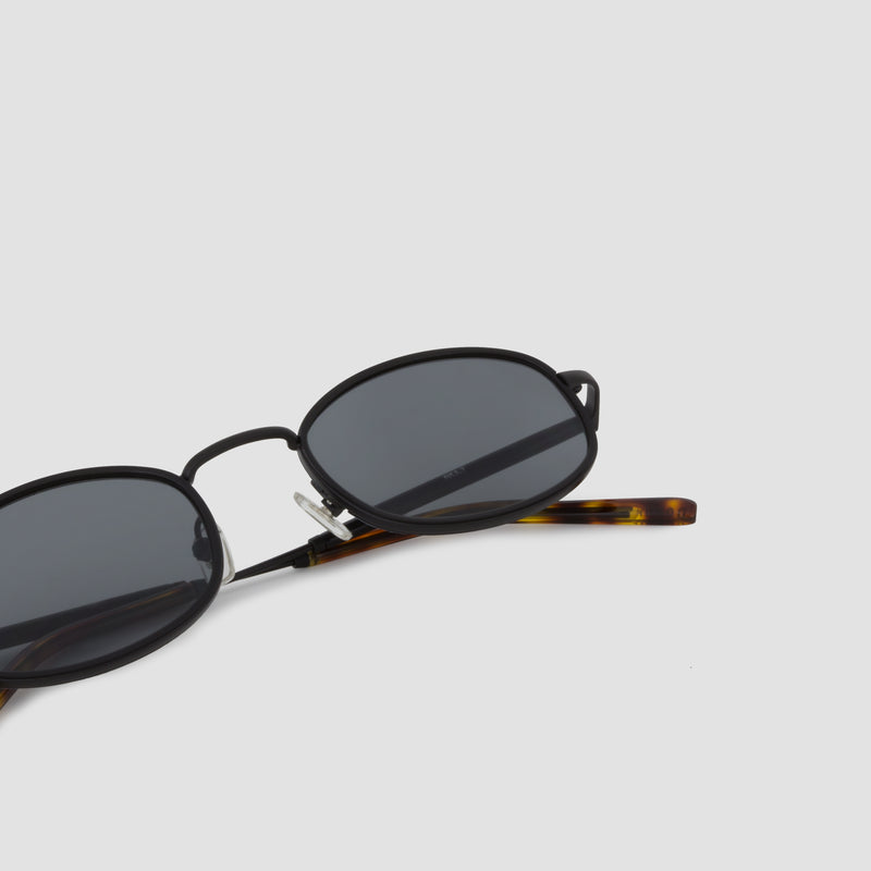 Detail shot of No. 7 Tortoise-Black Sunglasses