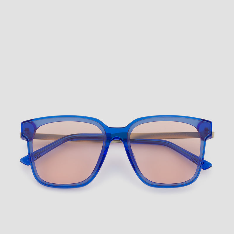 Front View of Wall Blue-Orange Sunglasses