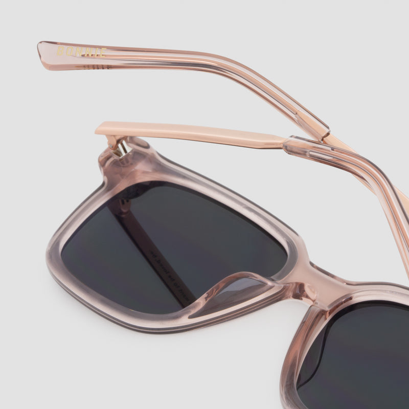 Detail shot of Wall Flamingo Fever (Mirror) Sunglasses