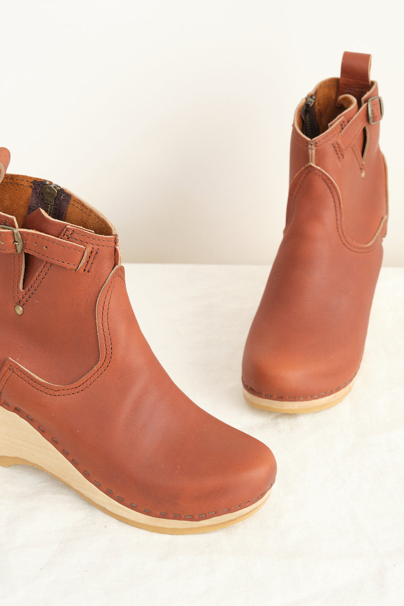 wedge buckle boot no. 6