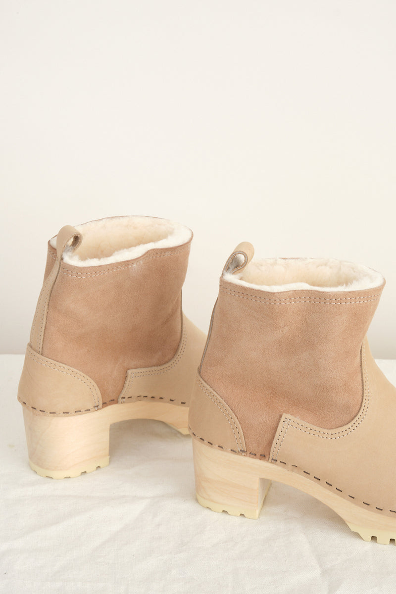 "5"" Pull on Shearling Clog Boot on Mid Tread in stock"