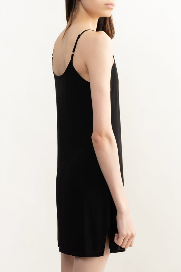 Simple Black Slip