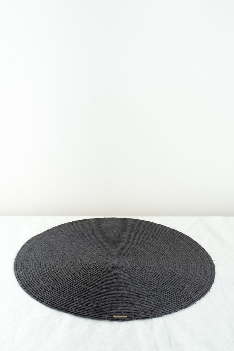 Makaua Round Placemat In carbon