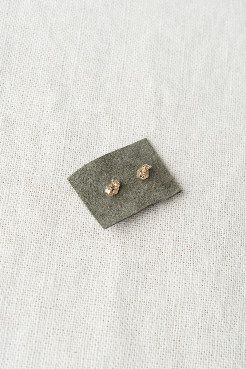 Wwake Long Smeared Flake Earrings Studs