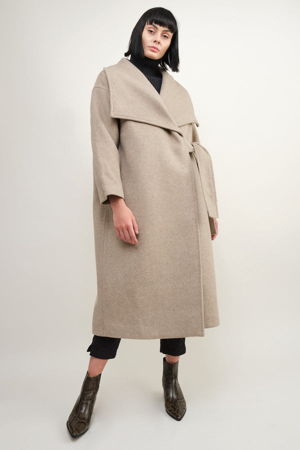 7115 by Szeki lapel wool coat