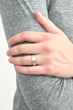 Black Barc Square Ring