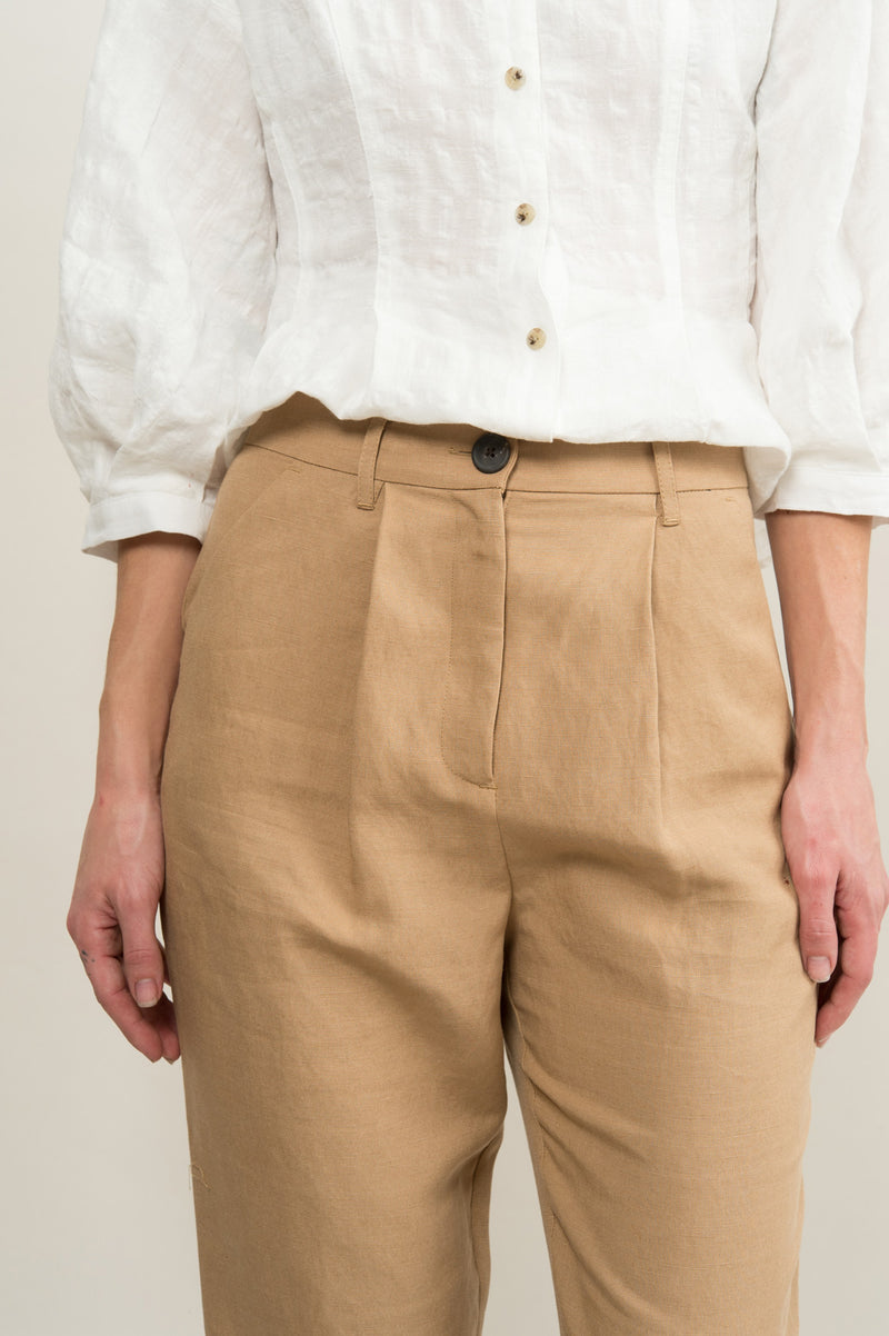 Women's Tapered Trouser