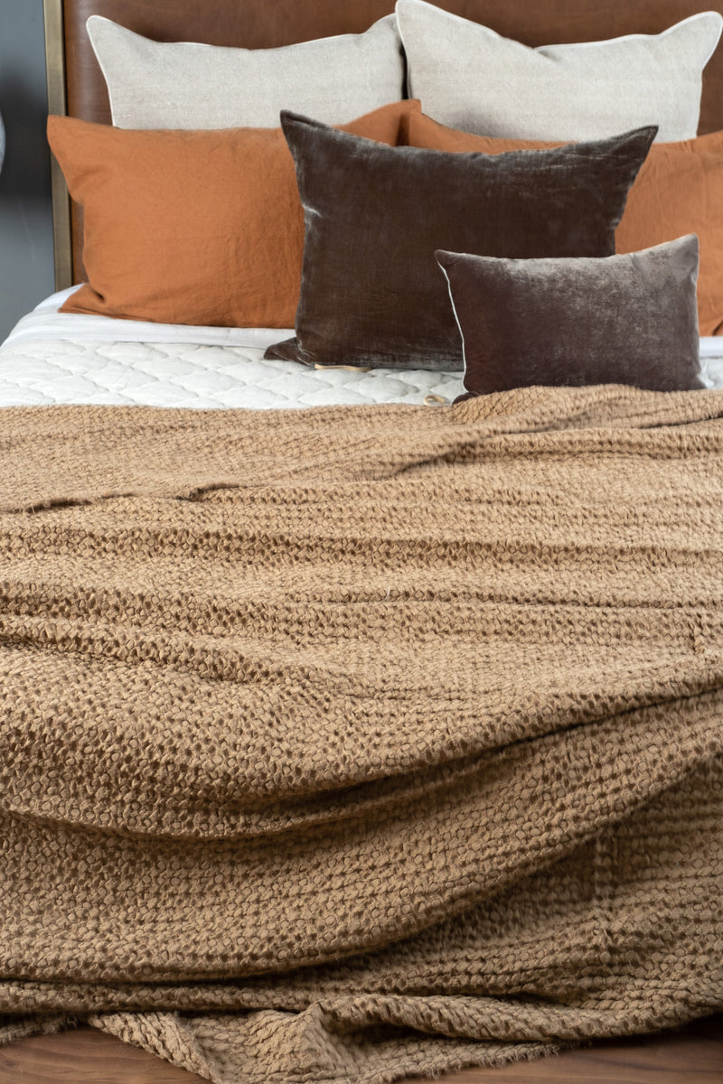 Hale Mercantile Flocca Blanket In Russo