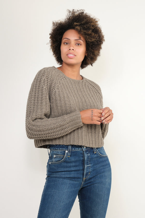 7115 by Szeki chunky cropped jumper