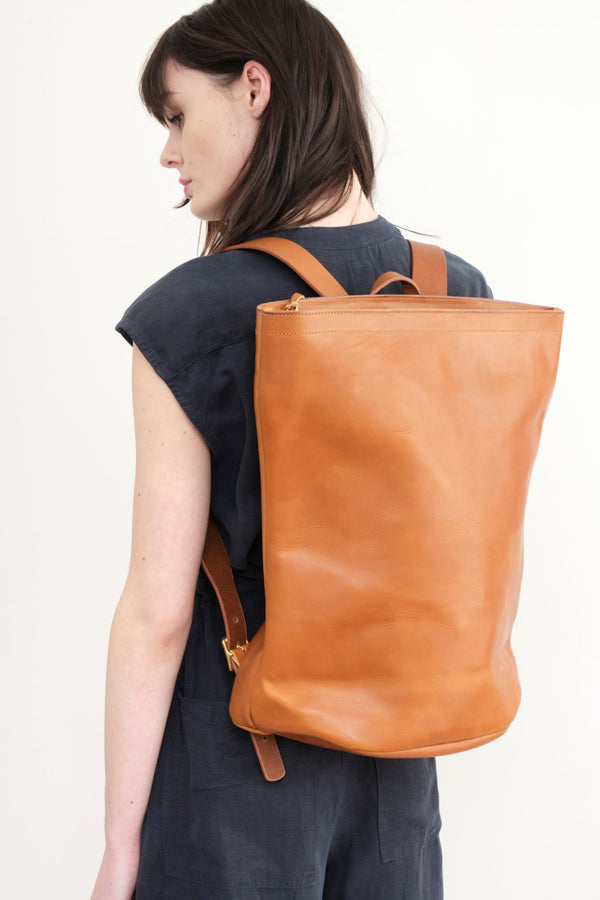 kika Ny Leather Harvest Backpack In Dark Tan
