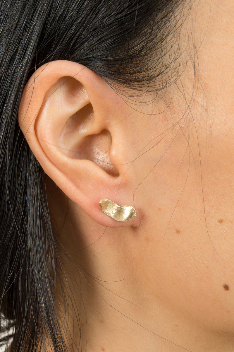 Wwake Long Smeared Flake Earrings